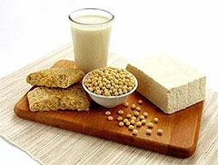 Метеоризм усиливают молоко (в ряде случаев и молочнокислые продукты)