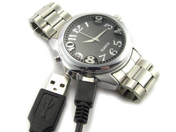 Наручные часы с будильником появились сравнительно недавно.