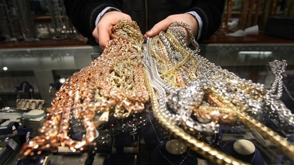 ВКурске мужчину подозревают вкраже золота на1,3 млн. руб.