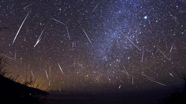 Винтернете появились фотографии самого мощного звездопада Персеиды