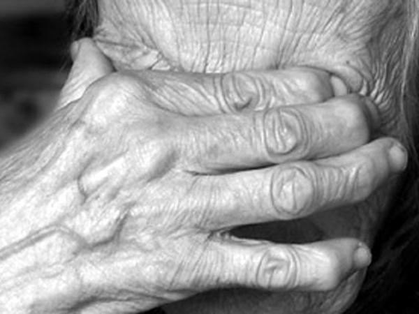 Курянка задушила мать, оказывая ейпервую помощь
