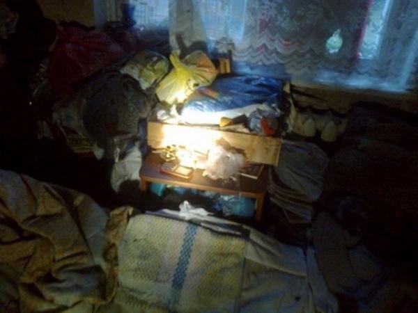 Курск. Пожарные спасли изгорящей квартиры пенсионерку иеесына