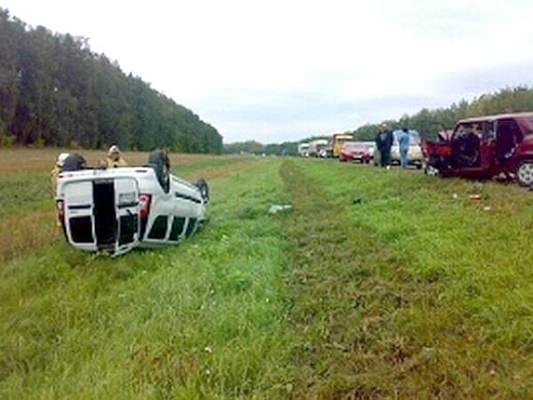 ВКурской области автомобиль «Лада Ларгус», вылетев на«встречку», устроил ужасную трагедию