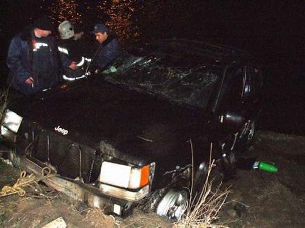 ДТП вКурской области: Встолкновении джипа страктором погибли два человека
