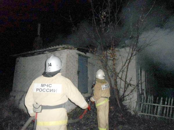 Курская область. ВБеловском районе сгорел фургон «Зил 130»
