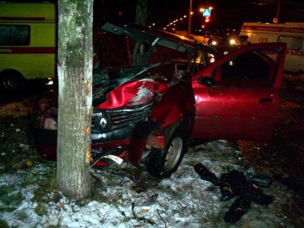Умер пассажир такси, еще 4 человека отправлены вмедучереждение — Авария вЖелезногорске