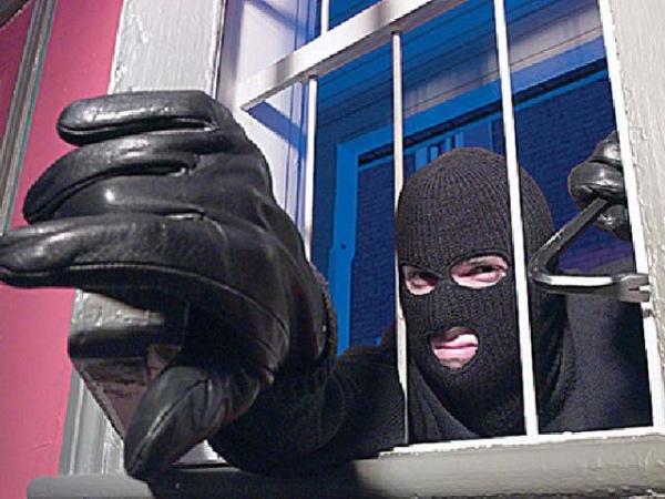 Задержаны куряне, похитившие ночью 30 тыс. руб.
