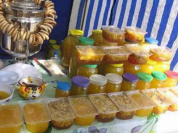 Граждан Курска подозревают вкраже 25 кило меда