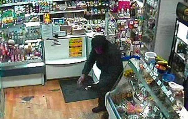 40-летний курянин впьяном угаре сножом напал напродуктовый магазин