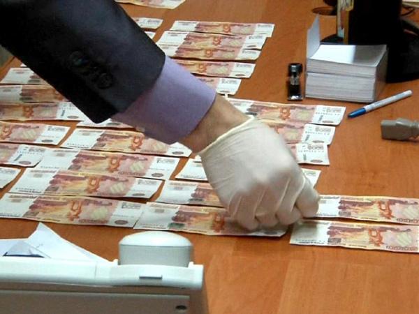 Курский чиновник попался навзятке в100 тыс. руб.