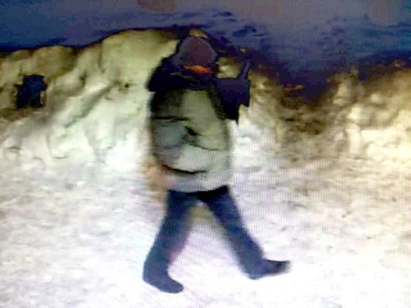 ВКурске разыскивают мужчину, совершившего «налет» намагазин вцентре города
