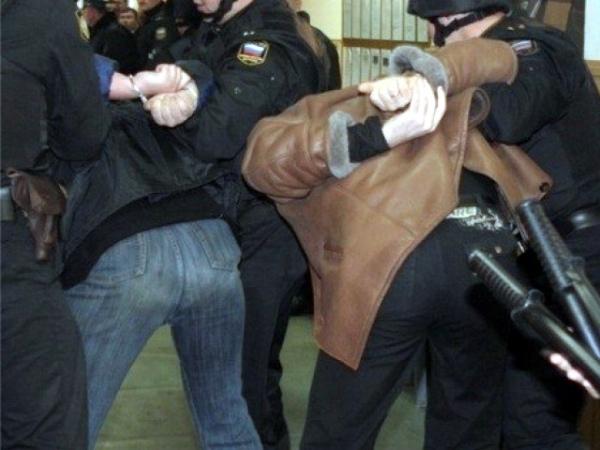 Трое белгородцев ночами обкрадывали иизбивали одиноких престарелых курян