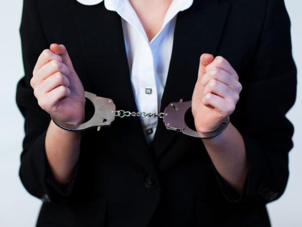 ВКурске женщину-адвоката будут судить закрупное мошенничество