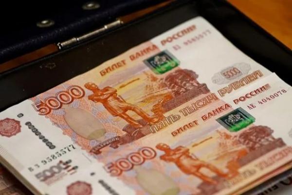 Под страхом потери статусной должности курянин оплатил 600 тыс. руб. алиментов