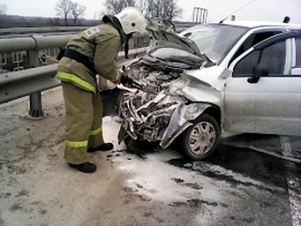 Под Курском нетрезвый попутчик угнал машину иразбился наней