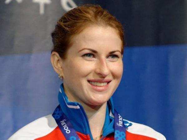 Рапиристка Инна Дериглазова завоевала золото чемпионата РФ пофехтованию