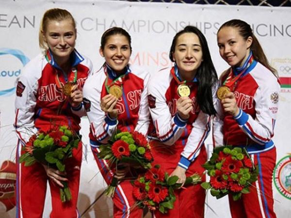 Курская рапиристка всоставе сборной Российской Федерации стала победительницей молодежного главенства Европы