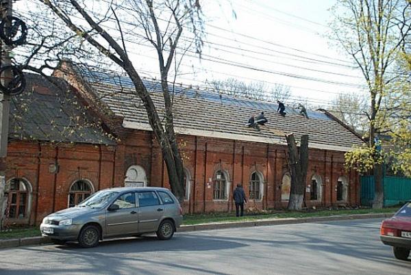 ВКурске реставрируют стародавние здания Госконюшен