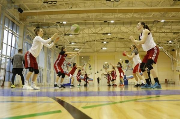 Пять баскетболисток курского «Динамо» тренируются в сборной России
