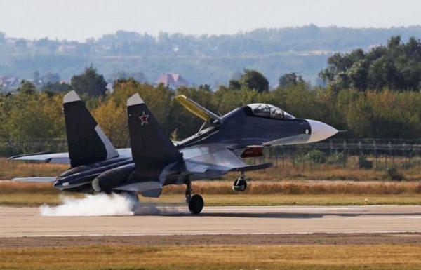Базирующийся в поселке Халино под Курском 14-й гвардейский истребительный авиаполк начал приемку первой партии истребителей Су-30СМ