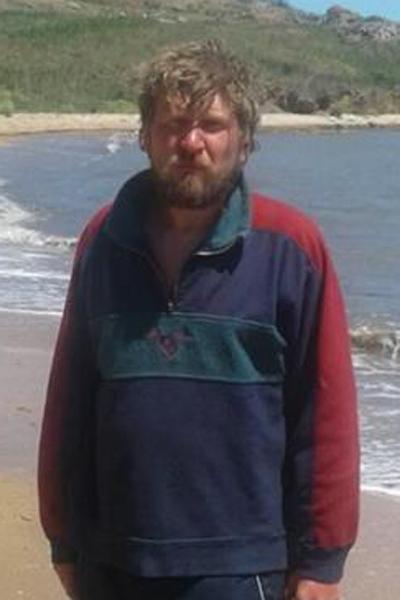 Мужчину, пытавшегося переплыть Керченский пролив на пластиковых бутылках, опознали в Курской области