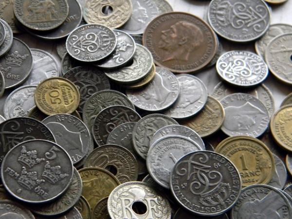 Курские пограничники и таможенники пресекли ввоз с Украины коллекции монет