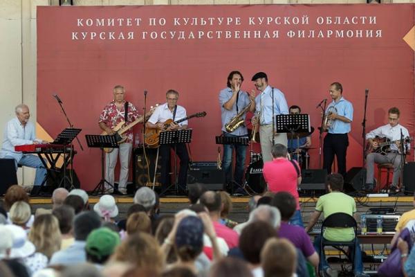 На Театральной площади устроят джазовую вечеринку