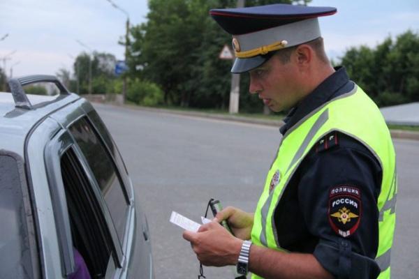 Инспекторы сдружинниками словили вСаратове два десятка нетрезвых водителей