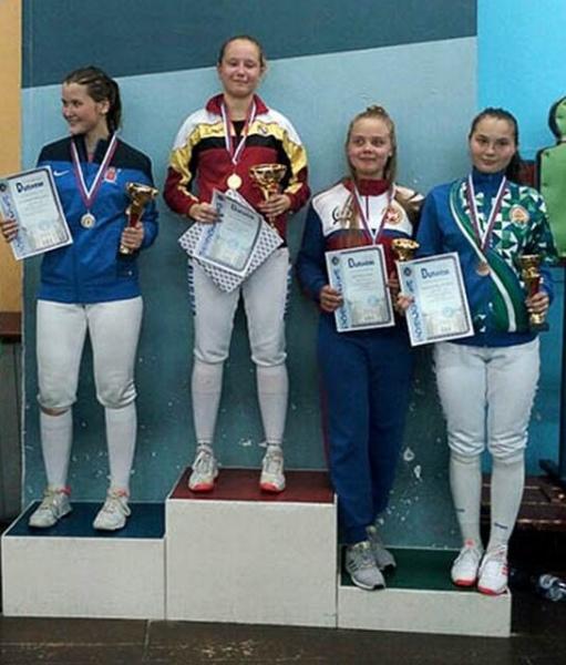 Курянка выиграла турнир по фехтованию в Петербурге