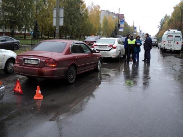 В Курске в тройной аварии пострадали два человека, среди них 6-летний ребенок