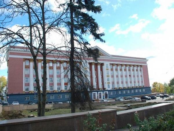 ВКурске напротив Дома Совета благоустраивают сквер