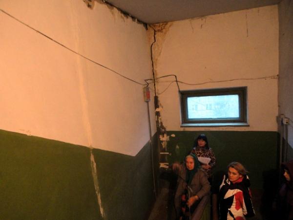 Старая пятиэтажка на улице Конорева могла рухнуть в любую минуту