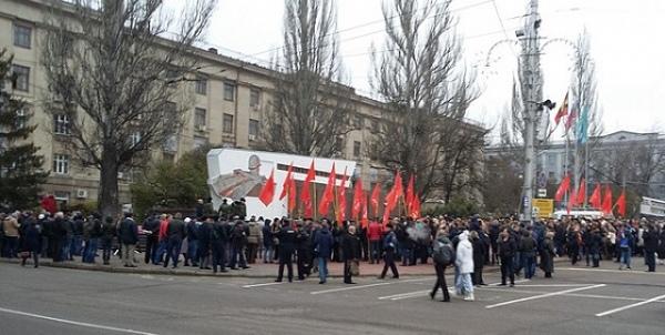 В день 100-летия Октябрьской революции в Курске открыли послание потомкам