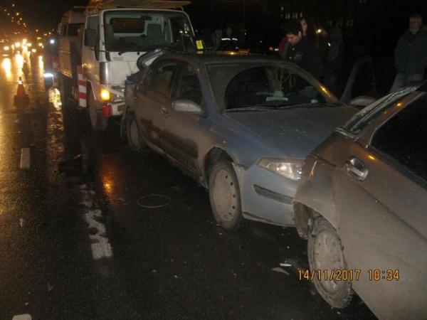 Курск. НаЭнгельса столкнулись 5  авто