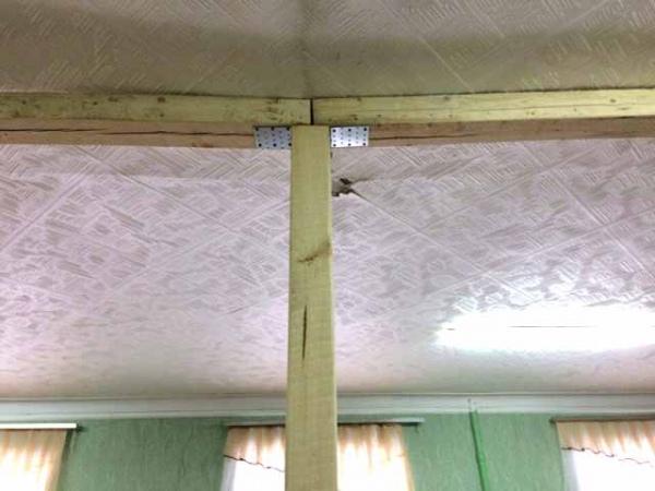 Прокуратура требует приостановить занятия в щигровской школе с опасным потолком