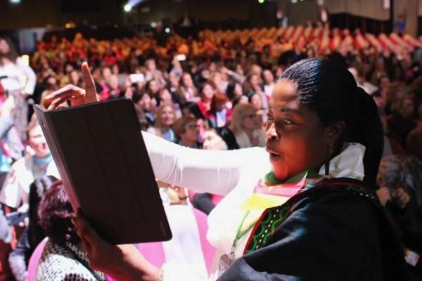 В работе конгресса, основной темой которого стала ценность женского лидерства, участвовали свыше 700 предпринимательниц из более 60 стран мира