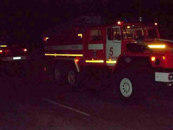 В Курске сгорели гараж и две машины