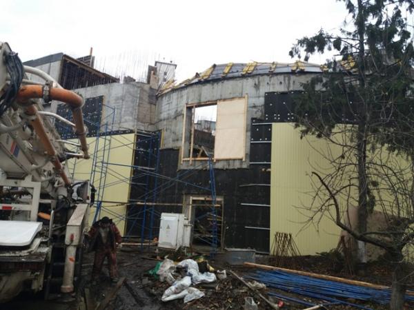 ВКурске при обрушении кровли вмногоэтажном здании пивзавода пострадали трое рабочих
