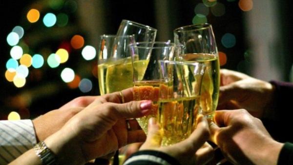 Областной Роспотребнадзор предложил череповчанам отказаться оталкоголя вНовый год