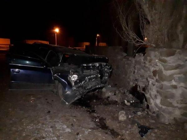 В Курчатове водитель погиб, врезавшись в забор