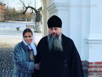 Дана Борисова побывала в рыльском монастыре