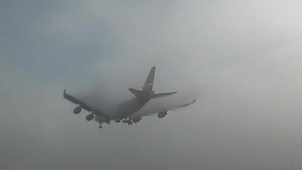Из-за тумана самолет не смог приземлится в курском аэропорту