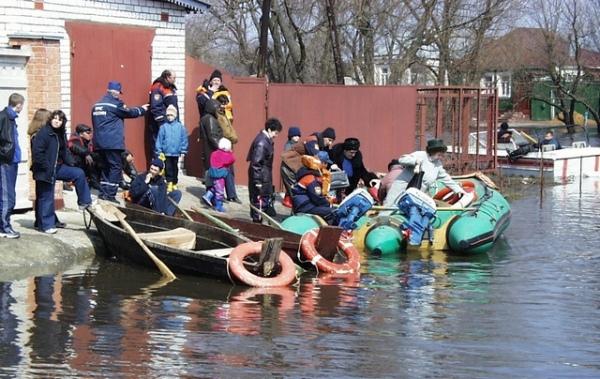 В Курске готовят три лодочные переправы