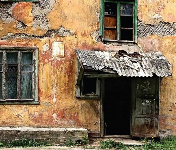 Прокуратура добивается сноса аварийных домов в Щиграх
