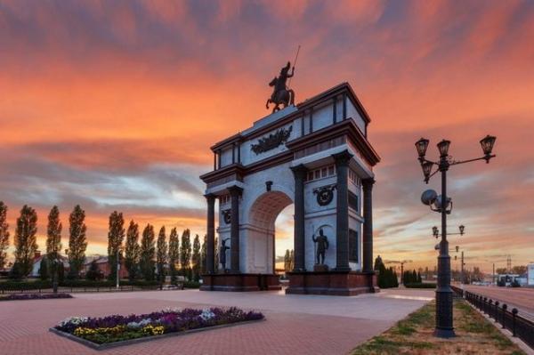 В честь 75-летия победы в Курской битве на Прохоровке реконструируют танковое сражение