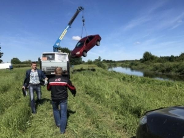 Водитель утонул в реке вместе с автомобилем