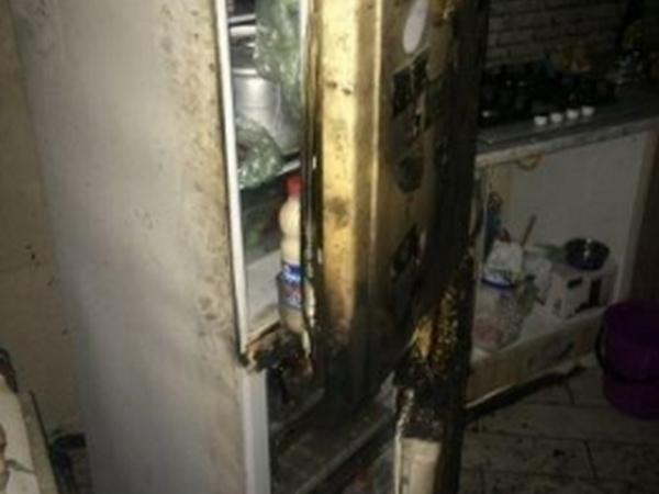 На Хуторской из-за холодильника чуть не сгорела квартира