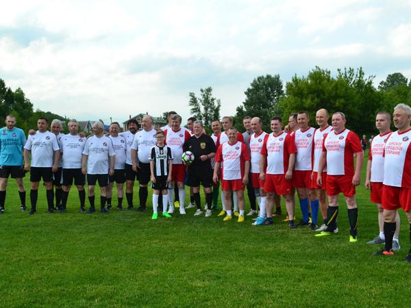 Курские депутаты и чиновники сыграют в футбол