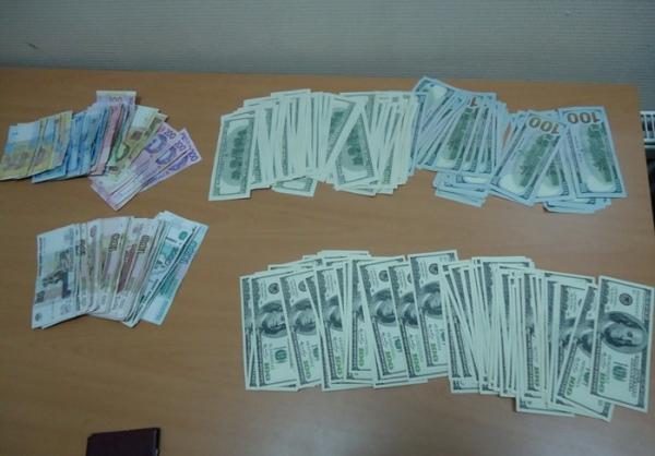 За попытку вывезти валюту украинец заплатит крупный штраф
