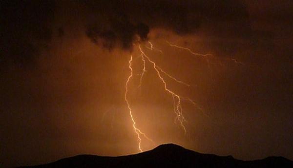 В Курской области из-за непогоды семь населенных пунктов остались без света